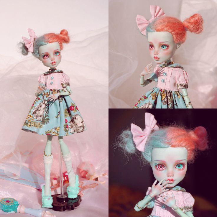 "2,657 Likes, 26 Comments - 阿树 (@ashu_tree) on Instagram: ""#doll #monsterhigh #monsterhighdolls #repaint #repaintdoll #ooak #ooakmh #mh #makeupdolls #artdoll"""