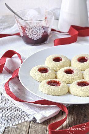 Μπισκότα βουτύρου με καρύδα & μαρμελάδα / Strawberry coconut thumbprint cookies