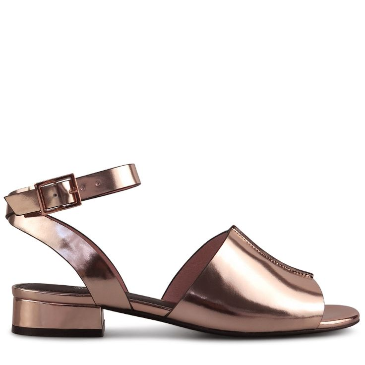 Crafted from stunning metallic rose gold patent leather, the Burley Sandal is a weekend wardrobe must have this season - paired with denim or dresses, this sandal will take you from Spring to Summer in comfort and style. 3cm / 1.18 Inch Block Heel Lea