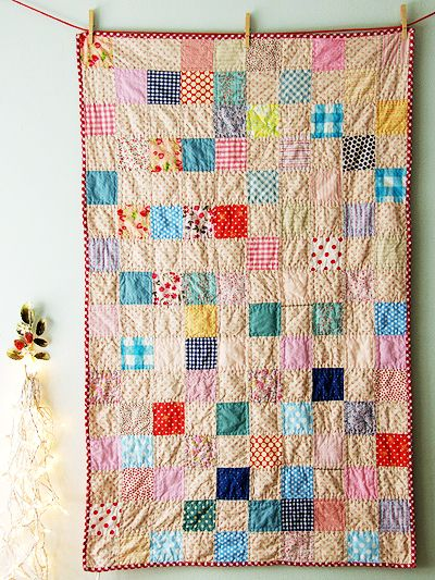 3.5'' Squares stitched randomly. Lovely Babysize. Lovely Picknicksize as well.