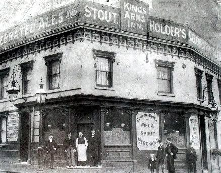 The Kings Arms in Suffolk Street Birmingham c 1907