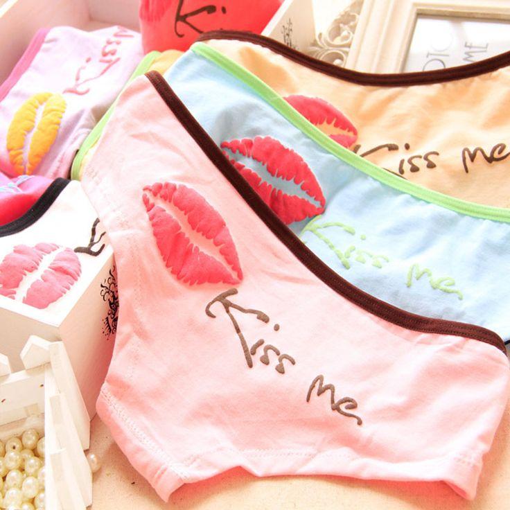[Quecoo] 2016 Girl Series cotton underwear cartoon Kissme lip prints, underwear women sexy underwear cute Women's panties