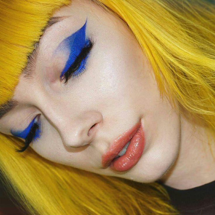 Blue and yellow @IIIannaIII