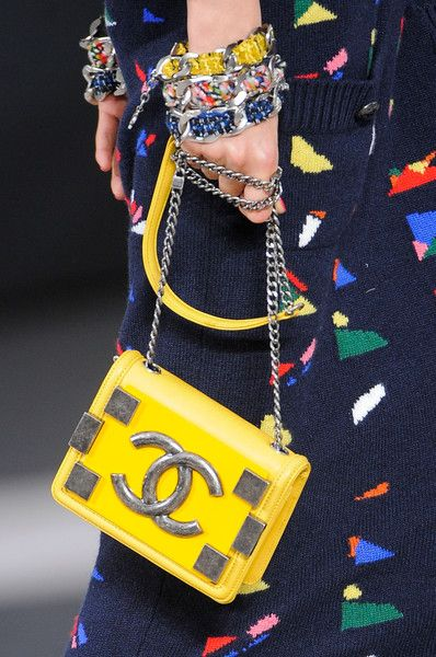 Chanel Fall 2013 #Chanel #PurelyInspiration #fashiondetails