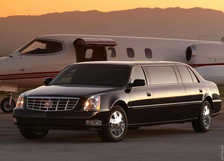 2006 Cadillac DTS Limousine I'd need one of these to collect important guests who came to visit