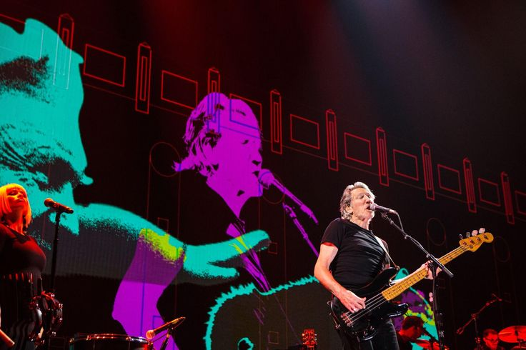 Roger Waters to headline BST Festival in London with Us + Them tour  ||  Pink Floyd artist Roger Waters has been announced as the first headliner for BST Festival in Hyde Park, London. Waters will bring his Us + Them tour to the UK for the first time for what will undoubtedlybe a unique live show that will mark his first live UK…