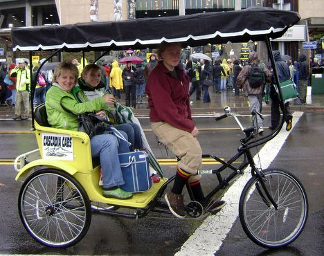seinfeld rickshaws bike taxis and other people powered. Black Bedroom Furniture Sets. Home Design Ideas