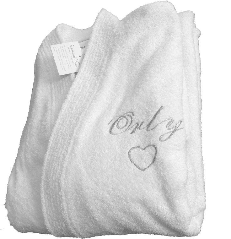 Peignoir personnalisé Orly brodé avec un cœur pour la fête des mères par brodeway.com #peignoirpersonnalisé #fetedesmeres