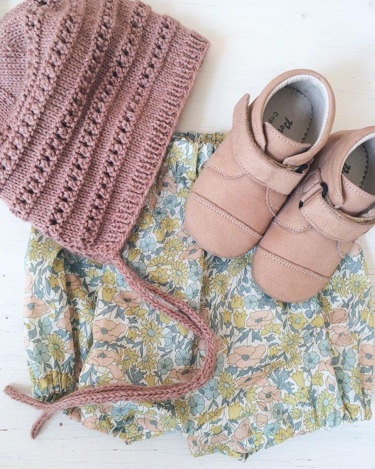 """@alongcame_mollie på Instagram: """"Hjemmestrik, Liberty og det første par sko…"""