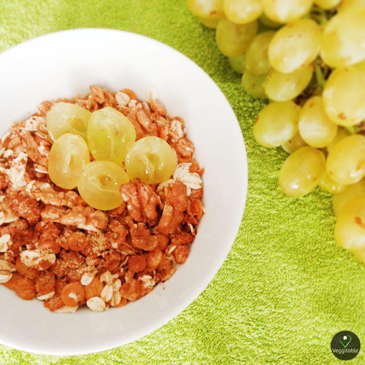 Flocos de Soja com Aveia Integral e Uvas | Soybeans and Whole Oats Flakes with Grapes