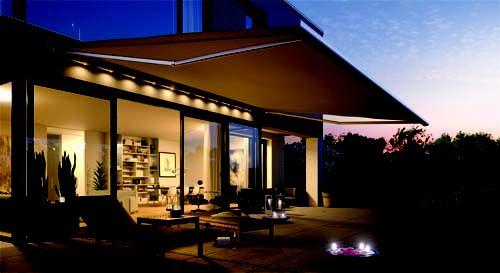 LED verlichting in zonnescherm,   's-avonds....