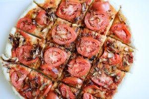 Tomato and Caramelized Onion Flatbread - Recipe Righter