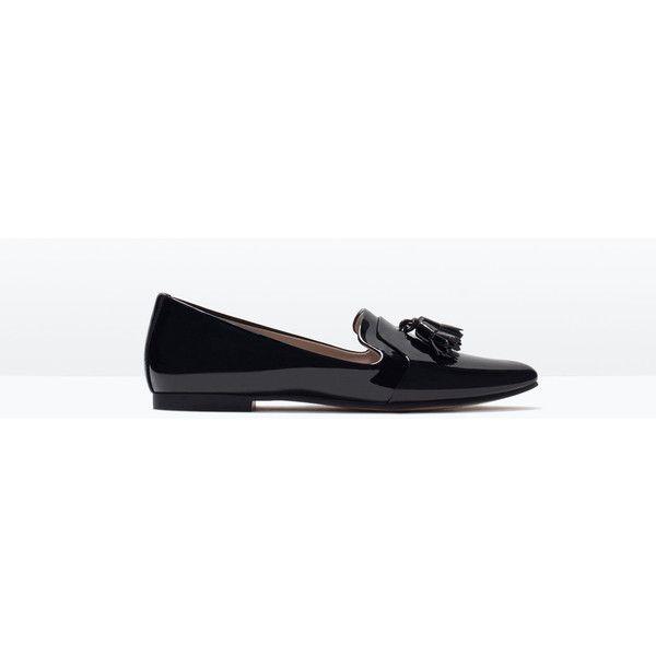 Zara Glossy Flat Shoes (€32) via Polyvore featuring shoes, black, black polishable shoes, zara flats, kohl shoes, black shoes and shiny shoes