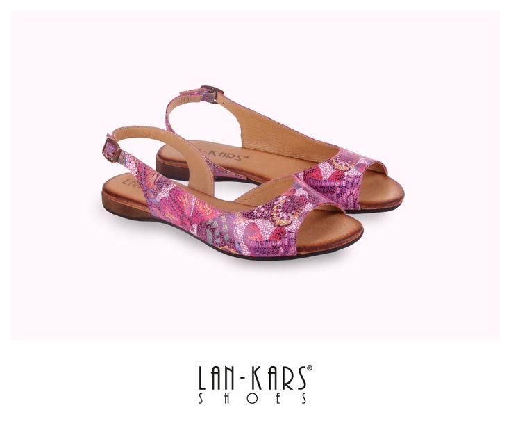 Różowe sandałki z regulowanym zapięciem.  #sandals #pink #style #fashion #leather #lankars