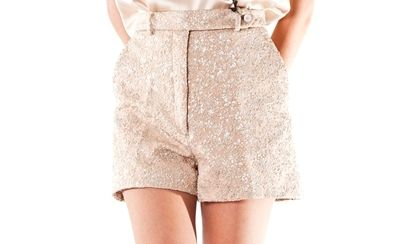 http://www.vittogroup.com/categoria-prodotto/donna/stilisti-brands-donna/rochasdonna/
