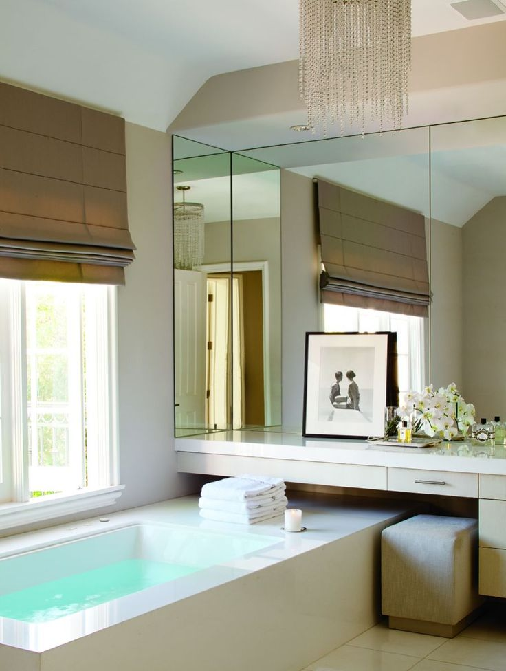 Contemporary glam bath of Monique Lhuillier - LOVE the bath tub