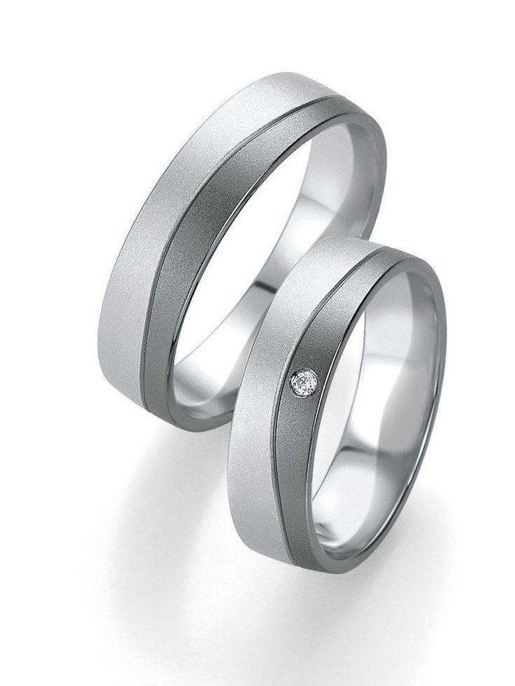 Partnerringe in Graugold-Weißgold: -   Ringbreite: 5,5 mm -  Kollektionen: Fifty Rings Of Grey - Steingröße & Qualität: ges. 0,015  ct w/si -  Material: Graugold-Weißgold -  Ringhöhe: 1,3 mm -  Oberfläche: mattiert -  Lieferzeit: 7-10 Werktage