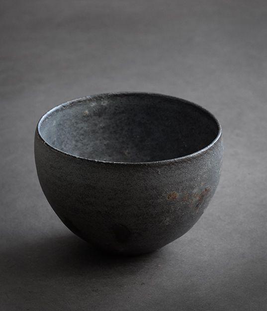 Ceramics by Kan Ito