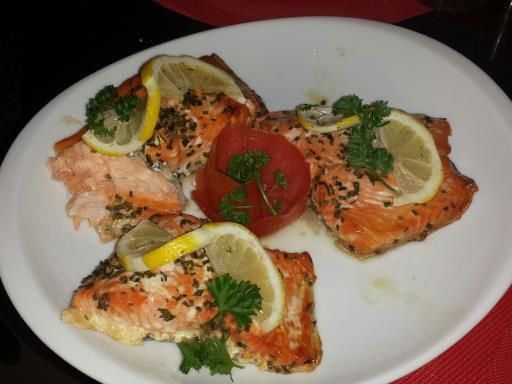 Pavés de saumon au four facile - Recette de cuisine Marmiton : une recette