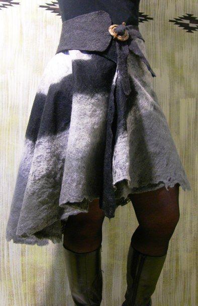 felted skirt black grey white  Neuchi Nakama Vilt    Mirjam Peeters: