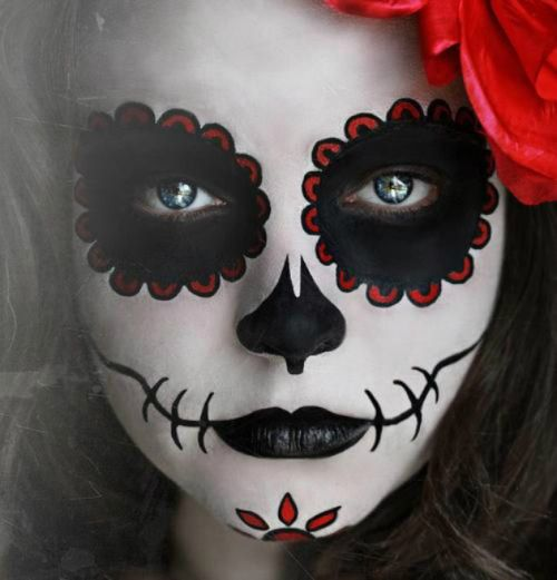 diadelosmuertosmask: I like to give credit to original content, so if you know where this came from, please let me know! I'm in love with this style of Dia De Los Muertos Sugar Mask makeup.