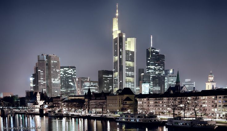 Premium Acrylglasbild Skyline Frankfurt Mainkai, Acrylglas Foto
