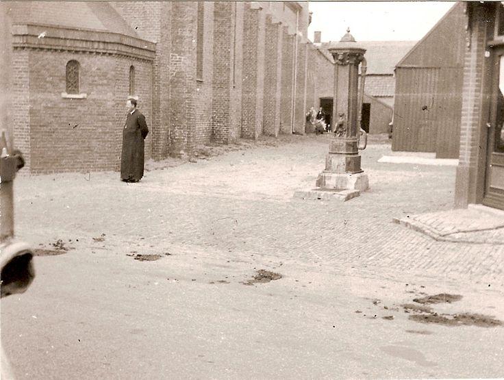 Kerk te Ommel. Met Pastoor Vogels