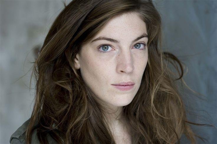 Hélène Rencurel- Fiche Artiste  - Artiste interprète - AgencesArtistiques.com : la plateforme des agences artistiques
