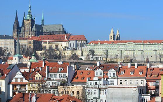 <p>Hlavné+mesto+Českej+republiky+–+Praha+a+jej+najslávnejšie+atrakcie,+múzeá,+reštaurácie+a+prechádzky+po+tomto+krásnom+stovežatom+meste.</p>