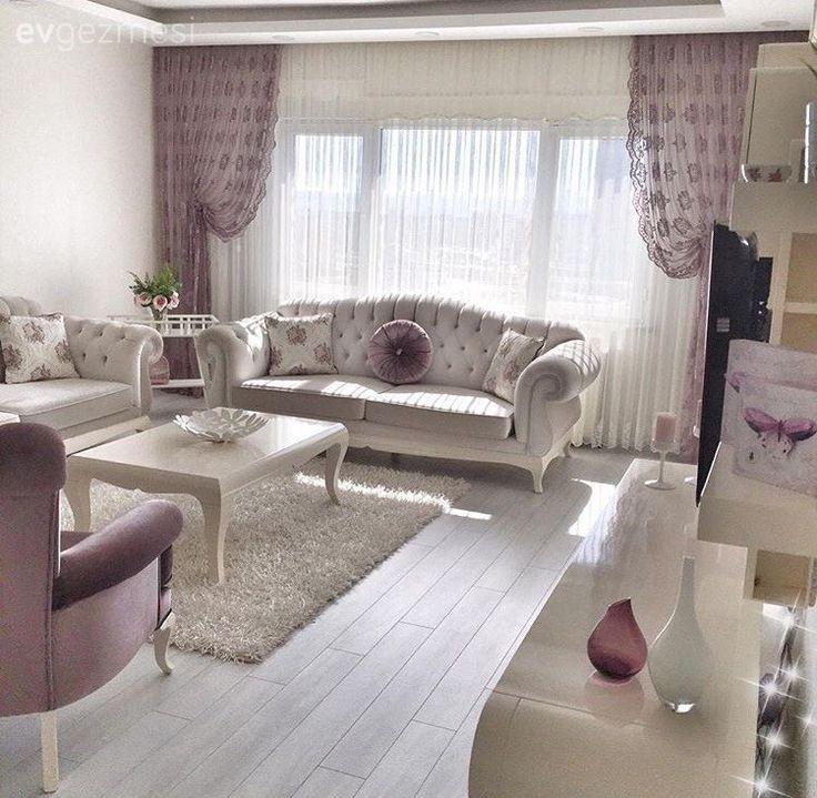 Sevan hanımın beyaz ve mor uyumunda, sofistike evi.