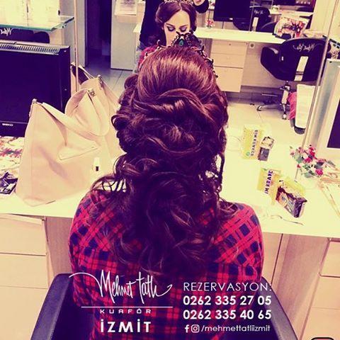 Dünyanın en seçkin saç bakım markalarını, İzmit'in tek prestijli markası Mehmet Tatlı' da bulabilirsiniz Bilgi ve Rezervasyon 0262 335 27 05 - 0262 335 40 65 #hair #beauty #saç #makyaj #mehmettatlıizmit #mehmettatlı #gelinsaçı #cool #blonde #sarışın #sarısaç #saçbakım #kerastase #haircare #weddinghair http://turkrazzi.com/ipost/1517637544303717798/?code=BUPu05GBO2m