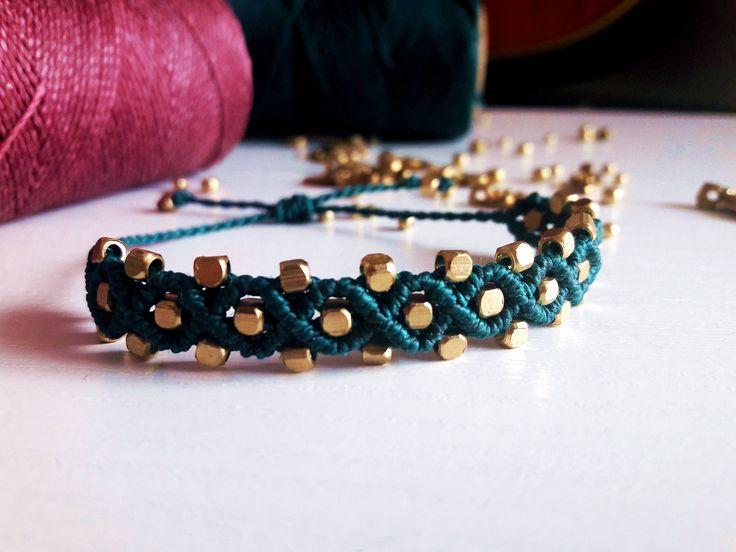 Pulsera macramé, tobillera macramé y abalorios. Macrame bracelet, ankle bracelet. Hecho a mano. Handmade. Beautiful, Boho, Hippie, Vintage. de Riquinhamacrame en Etsy