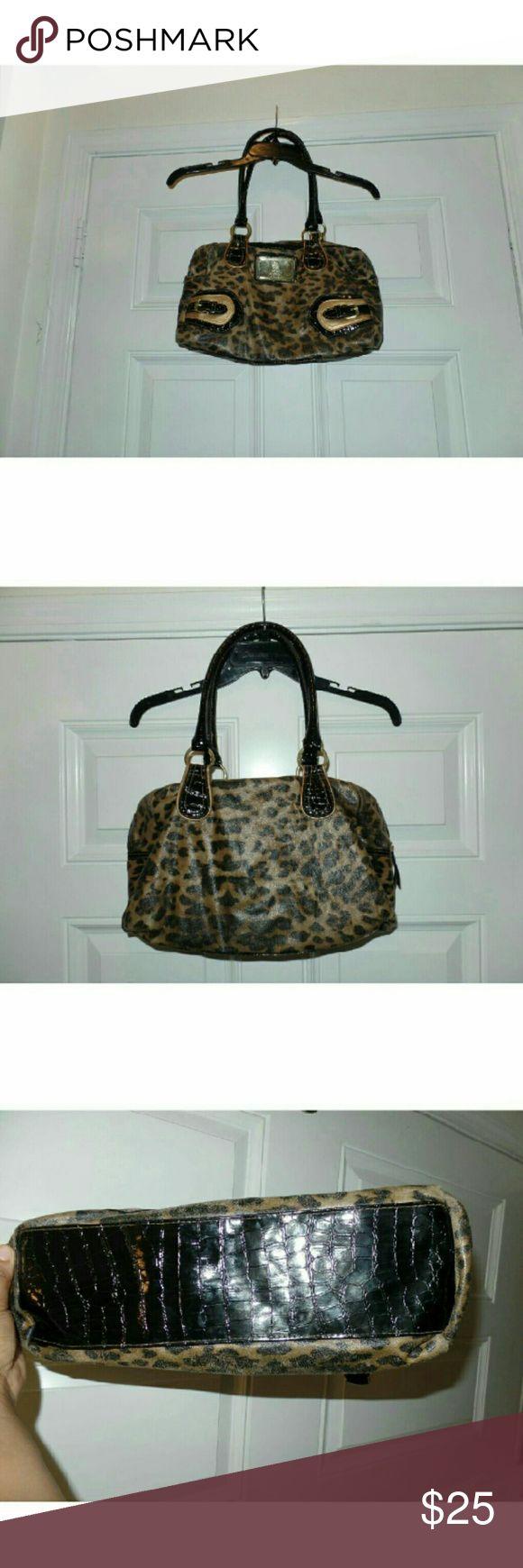 Leopard U.S. Polo Assn. Purse Beautiful Leaopar U.S. Polo Assn. handbag. In excellent condition! U.S. Polo Assn Bags Shoulder Bags