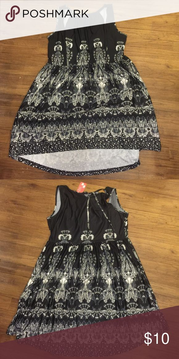 Black and white print sundress Black and white printed silk sundress/any occasion dress. Super comfortable simply aster Dresses Midi