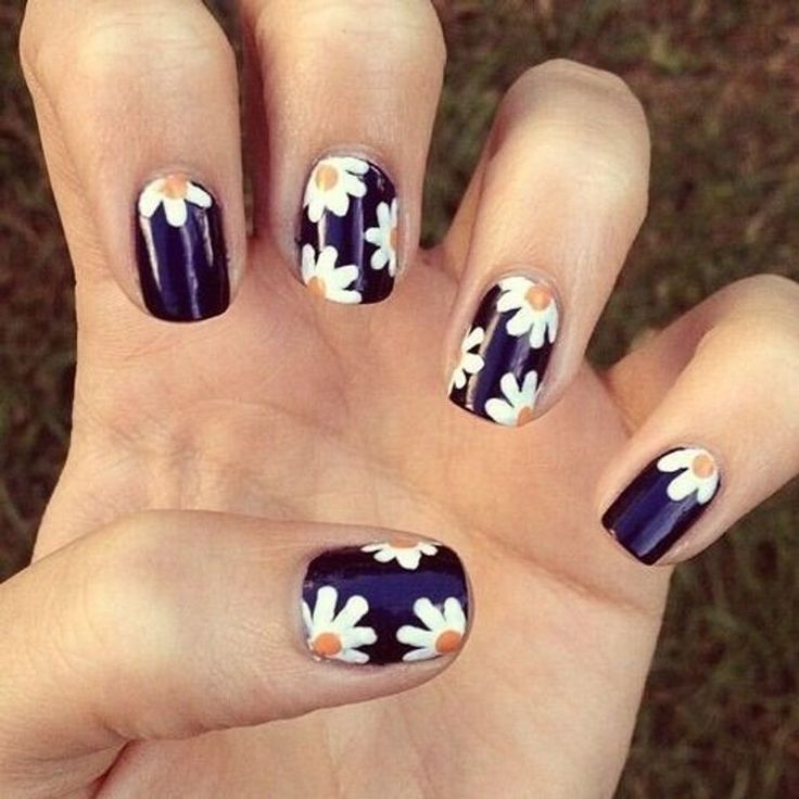 Dec 2016 - Summer is here and it's time to step up your nail game! Floral print is EVERYWHERE this season so why not rock it on your nails? These daisy nail designs … Flower Nail Designs, Flower Nail Art, Nail Designs Spring, Nail Art Designs, New Nail Art, Nail Art Diy, Shellac Designs, Sunflower Nails, Daisy Nails
