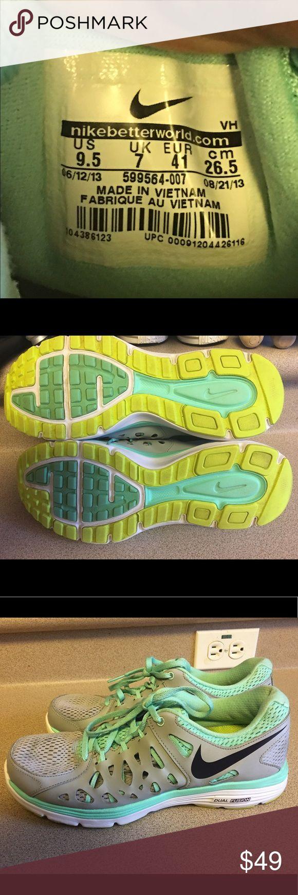 EUC Women's Nike Dual Fusion Run 2 Running Sz 9.5 EUC Women's Nike Dual Fusion Run 2 Running Sz 9.5 Nike Shoes Athletic Shoes