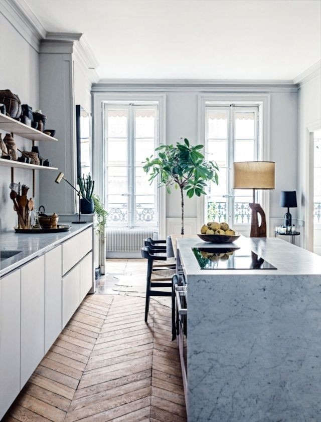 Love love the floor, the marble  - very nice style