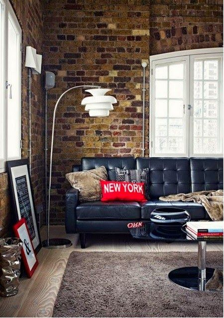 Inspirado en los lofts de la ciudad que nunca duerme, este estilo decorativo reproduce una estética industrial que se suaviza con detalles y objetos refinados para aportarle elegancia y calidez. Sin duda hay espacios, estancias, ambientes, que te transportan a otro lugar y te envuelven en una agradable sensación y hacen que, con una sóla mirada, te sientas en ese lugar del mundo que tanto adoras. ...