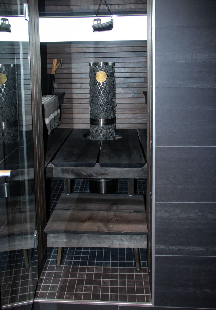 2013 Winner of the 'most beautiful home in Finland' competition by MTV3 tv channel.  Nice sauna!
