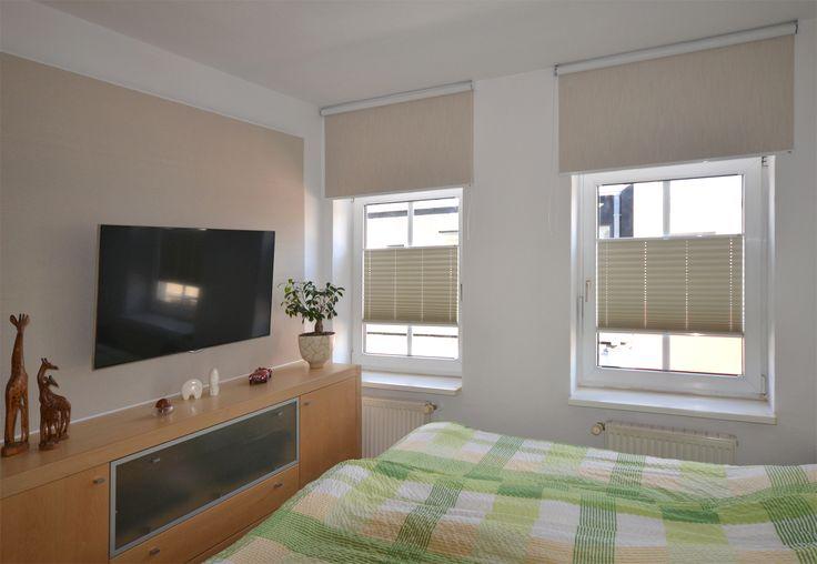 Sonnenschutz Plissees und Rollos im Schlafzimmer - individuell nach Maß gefertigt - ein Kundenfoto