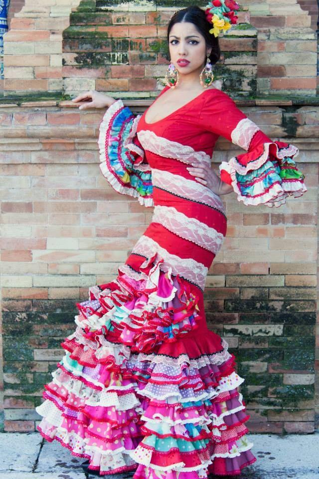 ▶️ Traje de flamenca rojo patchwork  💟 Diseño exclusivo de Viviana Iorio ▶️ Colección 2015, Sevilla, España 💌 info@vivianaioriotrajesdeflamenca.com