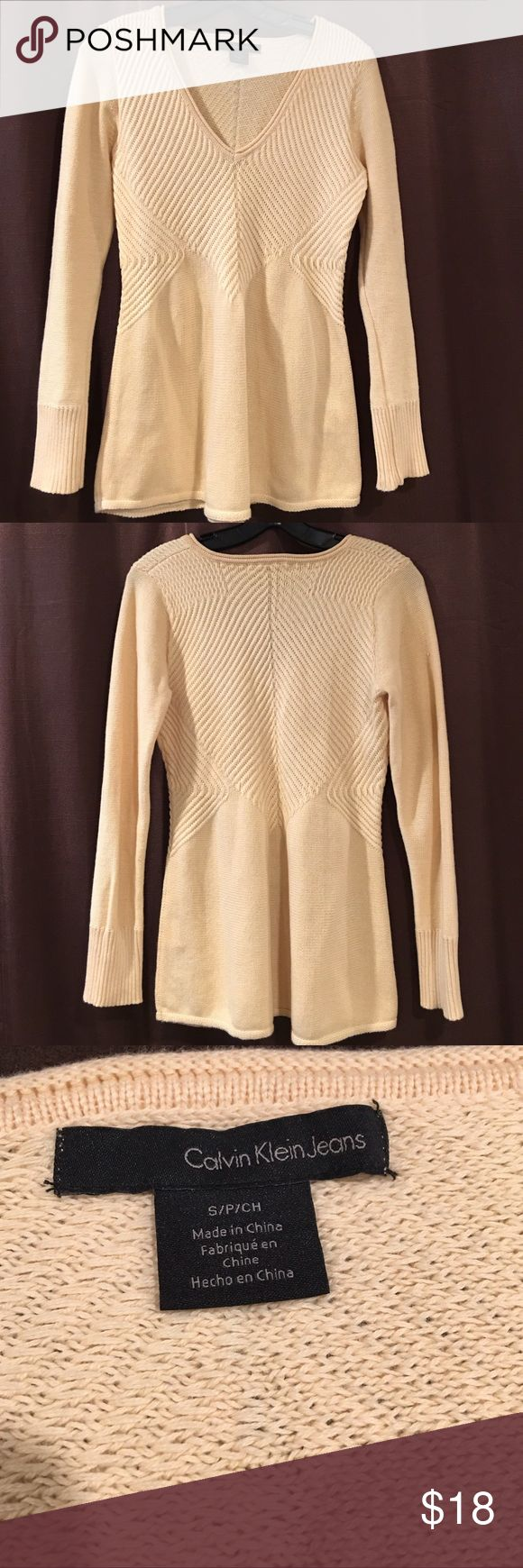 Calvin Klein Jeans V-Neck Sweater. Calvin Klein Jeans Knit sweater. Long Sleeves 100% cotton. Ivory color Calvin Klein Jeans Sweaters V-Necks