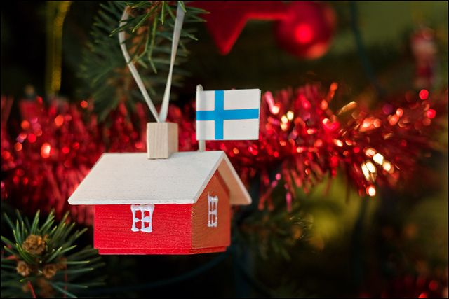 little Finnish house ornament