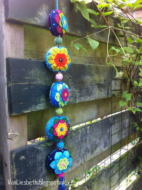 Colored felt garland - Kleurige vilt slinger