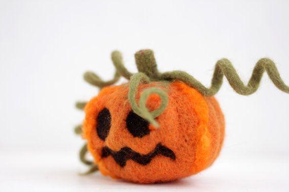Aiguille citrouille feutré la décoration d'halloween par shyshyru