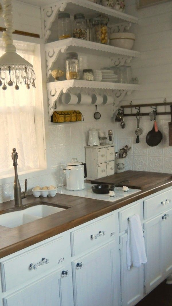 Best 25 rustic white kitchens ideas on pinterest large kitchen island wood top island Shabby chic style interieur