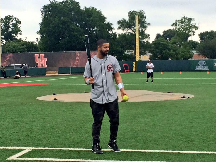 Drake at UH field for HAW 2 Youth Celebrity Softball Tournament