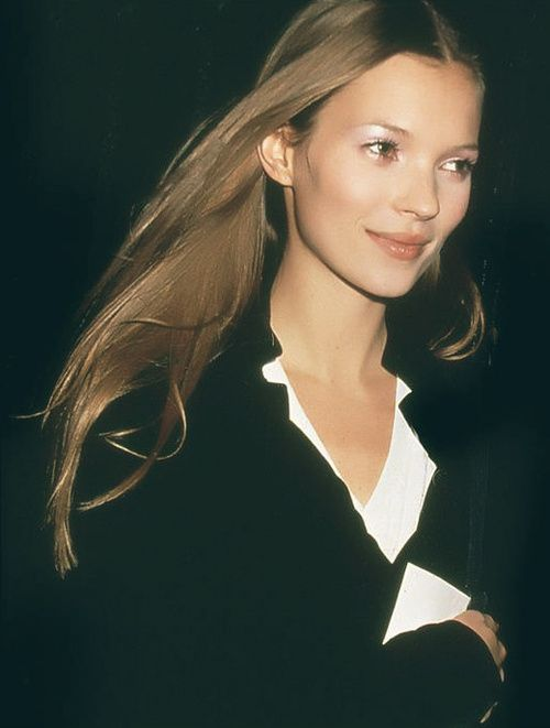 Kate Moss in 1993 - Photo by Rose Hartman