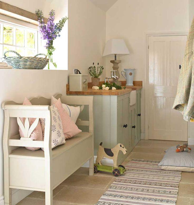 die besten 25 bank flur ideen auf pinterest flur bank gaderobe und garderobe mit sitzbank. Black Bedroom Furniture Sets. Home Design Ideas
