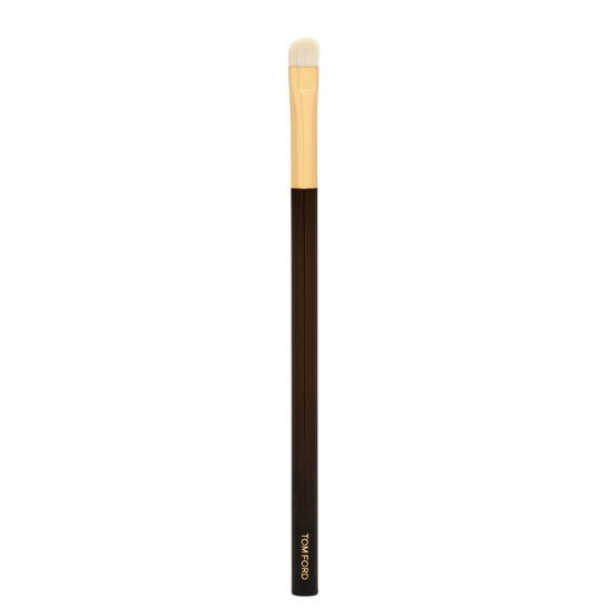 <h5>About Eye Shadow Contour Brush 12</h5> <p>The TOM FORD Eye Shadow Contour Brush, developed with natural hair, ensures a flawless crease and corner eye shadow application. A perfect companion for the TOM FORD Eye Color Quads. Handle is designed for true comfort and balance.</p>